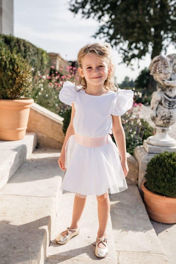 Vêtement cérémonie fille : haut à volant et jupe avec tulle