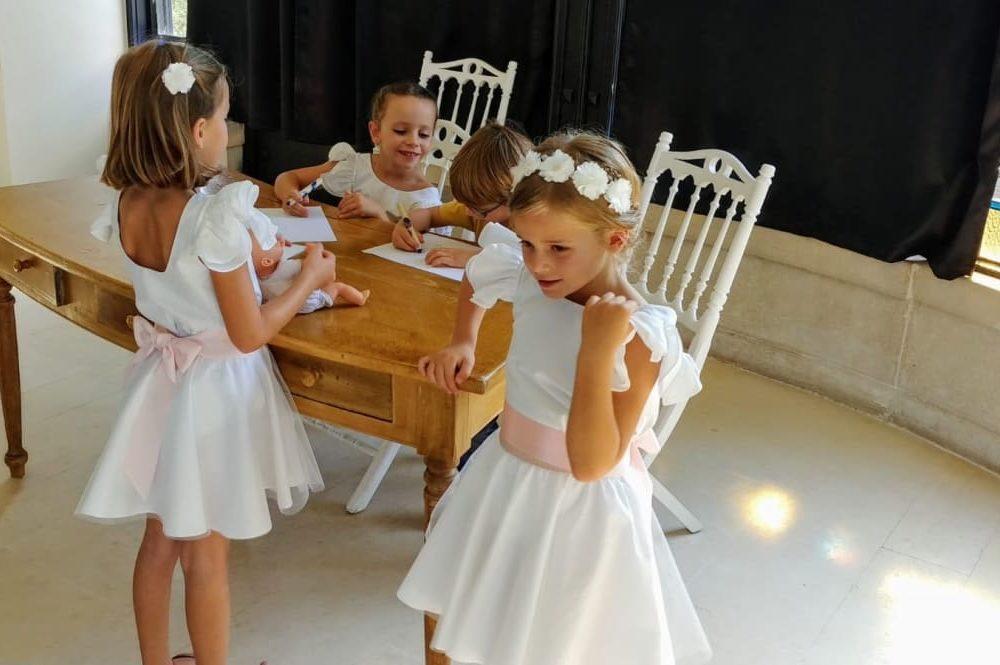 Cortège, robe blanche, fille