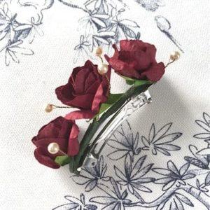 barrette enfant fille avec roses rouge bordeaux pour noël
