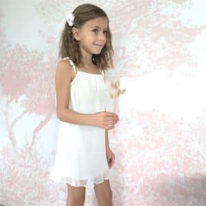 robe cortège blanche fille avec barrette fleur blanche