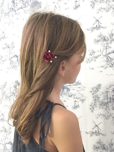 Barrette clic-clac rose rouge bordeaux